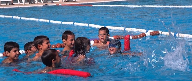 Curso de nataci i activitat f sica de piscines picornell for Piscines picornell